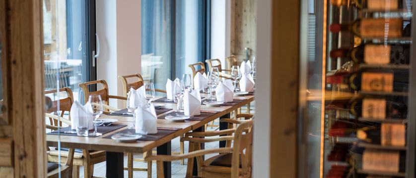 switzerland_zermatt_hotel-schonegg_restaurant3.jpg
